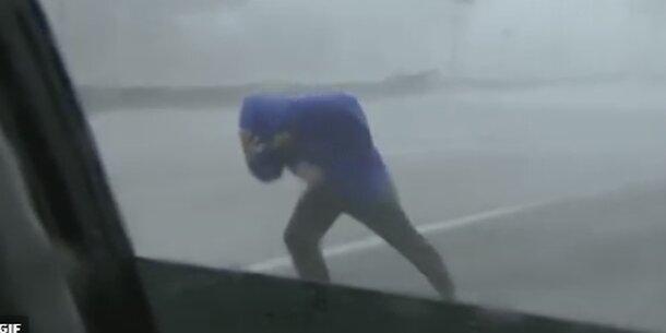 Hurrikan-Reporter wird zum Netz-Hit