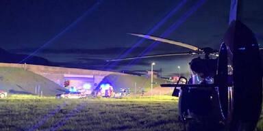 Autolenker rast in Böschung: Beifahrer (27)  getötet