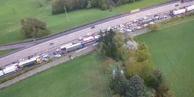Unfall_westautobahn_3.jpg