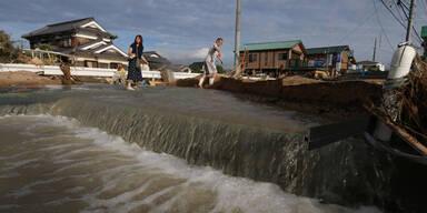 Unwetter Überschwemmungen Japan