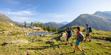 Wanderung-zur-Alpguesalpe-Stefan-Kothner-Montafon-Tourismus-11.jpg