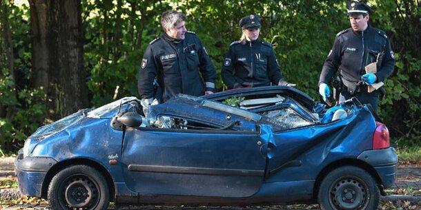 POL-VER: Sturmtief Xavier: Zahlreiche Einsätze für Feuerwehr und Polizei
