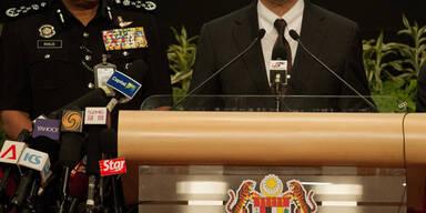 Verkehrsminister Hishammuddin Hussein informiert bei einer Pressekonferenz am Dienstag