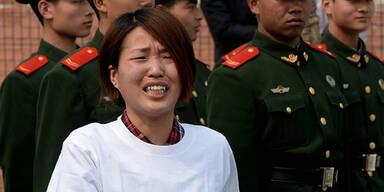 Proteste vor der malaysischen Botschaft in Peking
