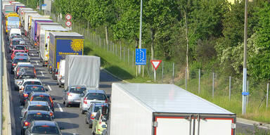 Stau-Alarm nach Lkw-Crash auf Wiener Tangente