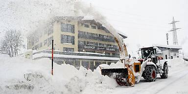 Wintersperre am Arlberg (Schnee)