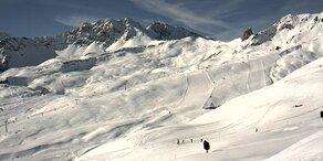 Skifahrer stirbt nach Apres-Ski auf der Piste