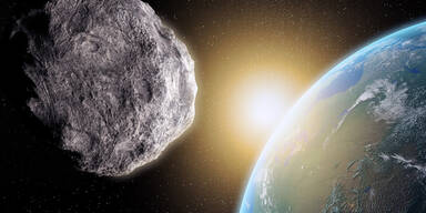 Mega-Asteroid rast heute an der Erde vorbei