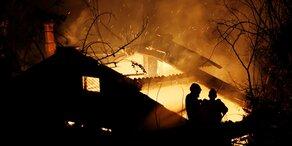 Feuer-Hölle: Tausende Urlauber auf der Flucht