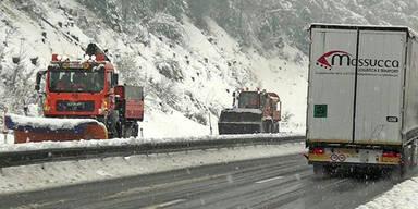Wintereinbruch: Tirol warnt vor Schnee-Chaos