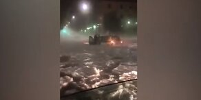 Schwere Unwetter! Eisschollen und Hagel in Rom