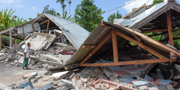 Wieder Beben auf Lombok - Gebäude stürzten ein