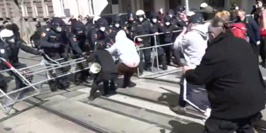 Eskalation: Pfefferspray-Einsatz bei Demo