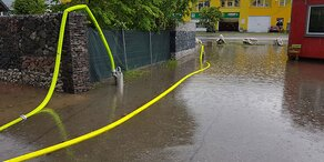Regen setzt Hauptplatz in Liezen unter Wasser