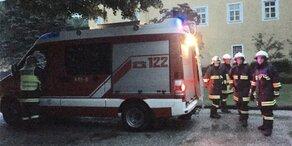 Unwetter: Feuerwehr rettet Traumhochzeit