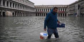 Rekord-Hochwasser: Venedig ist auf den Knien