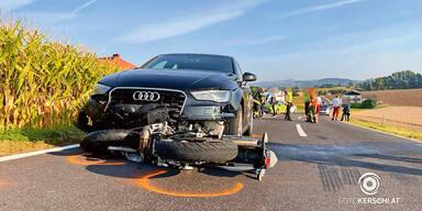 Moped-Fahrer (15) stirbt auf Weg in die Schule