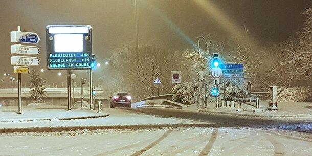 Schnee-Alarm legt ganz Frankreich lahm