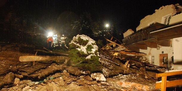 Mure zerstörte in Bad Gastein zwei Wohnhäuser