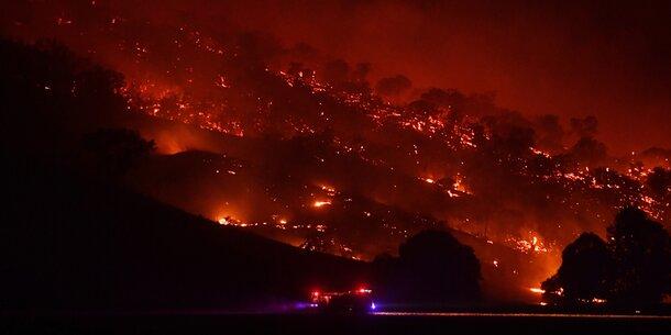 """Australien-Feuer vereinigen sich zu """"Mega-Brand"""""""