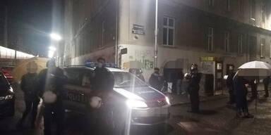 Polizei räumt von Aktivisten besetztes Haus in Wien-Landstraße