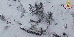 Lawine verschüttet Hotel: Mehrere Tote