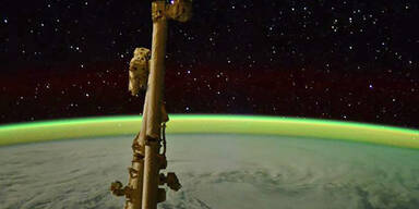 Mystischer Blick von der ISS auf einen Zyklon im Indischen Ozean