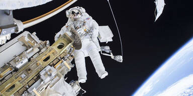 iss_astronaut_620_all_reute.jpg