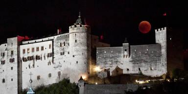 Blutmond über Salzburg