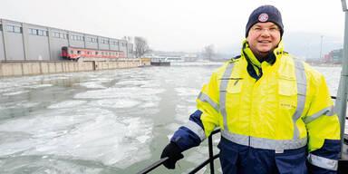 Linzer Kapitän eines Eisbrechers