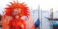 Zum Karneval nach Venedig