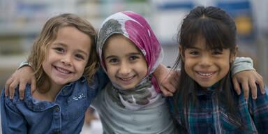 """""""SOS Mitmensch"""" fordert Einbürgerung """"hier geborene Kinder"""""""