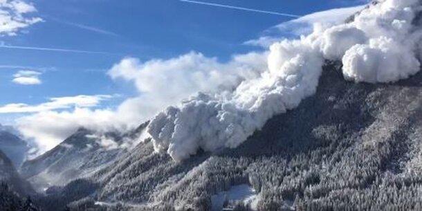 Spektakuläres Video: Sprengung löst Mega-Lawine aus