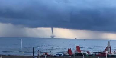 Mega-Tornado fegt vor Lignano