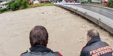 Salzach führt Hochwasser