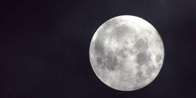 """NASA: """"Haben Wasser auf dem Mond entdeckt!"""""""