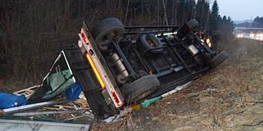 Unfall A2 Mosskirchen