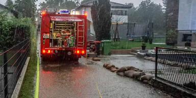 Schwere Unwetterschäden und zahlreiche Feuerwehreinsätze im Bezirk Neunkirchen