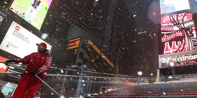 """Juno"" legt New York lahm"