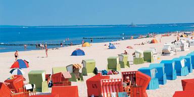 Ostsee mit Strandkörben