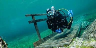 Mystischer Tauchgang in Unterwasser-Park