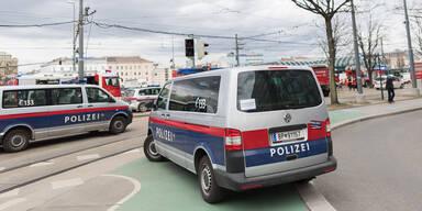 polizei-bus-auto-960-tz.jpg