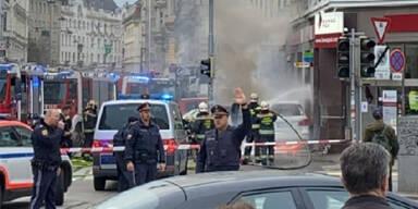 Taborstraße: Auto raste auf Gehsteig - drei Verletzte