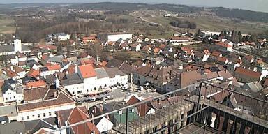 rathausplatzweitrawaldv.jpg