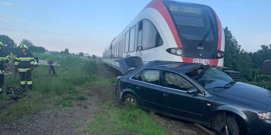 Horror-Crash in der Steiermark: Zug schleifte Pkw über 200 Meter mit