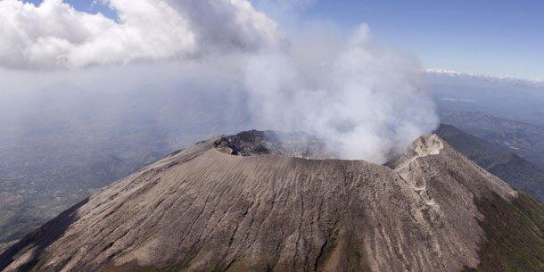 Evakuierungen rings um Vulkan in El Salvador