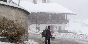 Schneechaos! – Tausende Haushalte ohne Strom