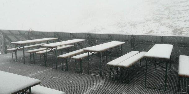 In den Bergen liegt sogar Schnee