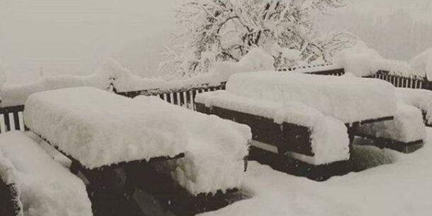 Hier liegen jetzt mehr als 30 Zentimeter Schnee