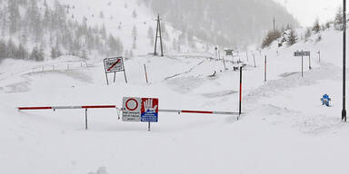 Schnee-Chaos in Tirol